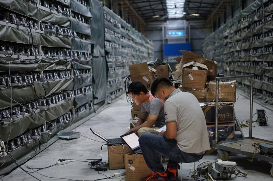 bitcoin-mining-farm Bitcoin Mining in China: Only Big Guns Will Survive